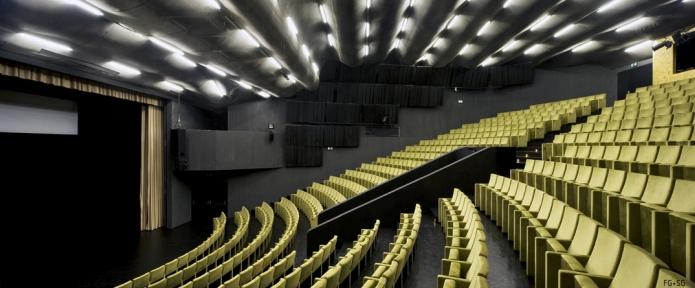 Centro Cultural de Ílhavo / Ílhavo Cultural Center